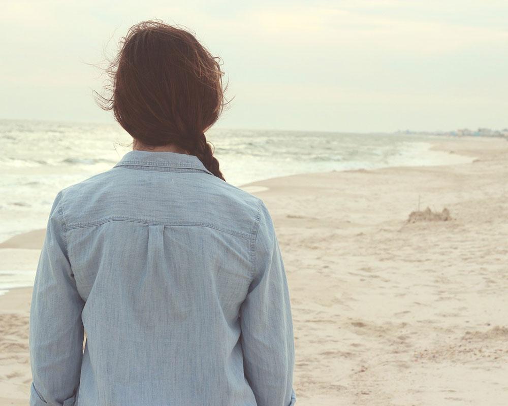 CareAcross-breast-cancer-depression-girl-beach